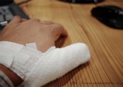 負傷。。。